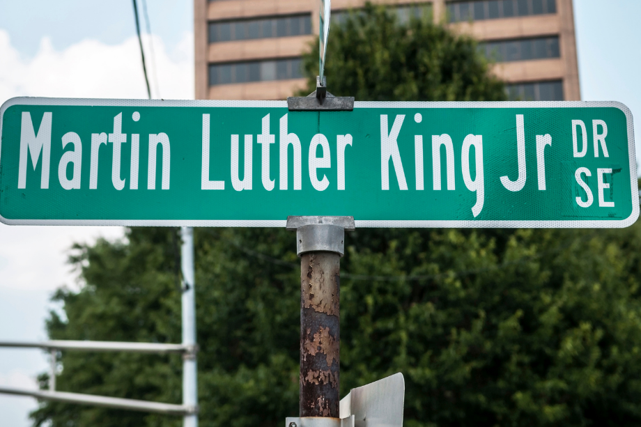 10 Famous quotes by Dr. Martin Luther King Jr